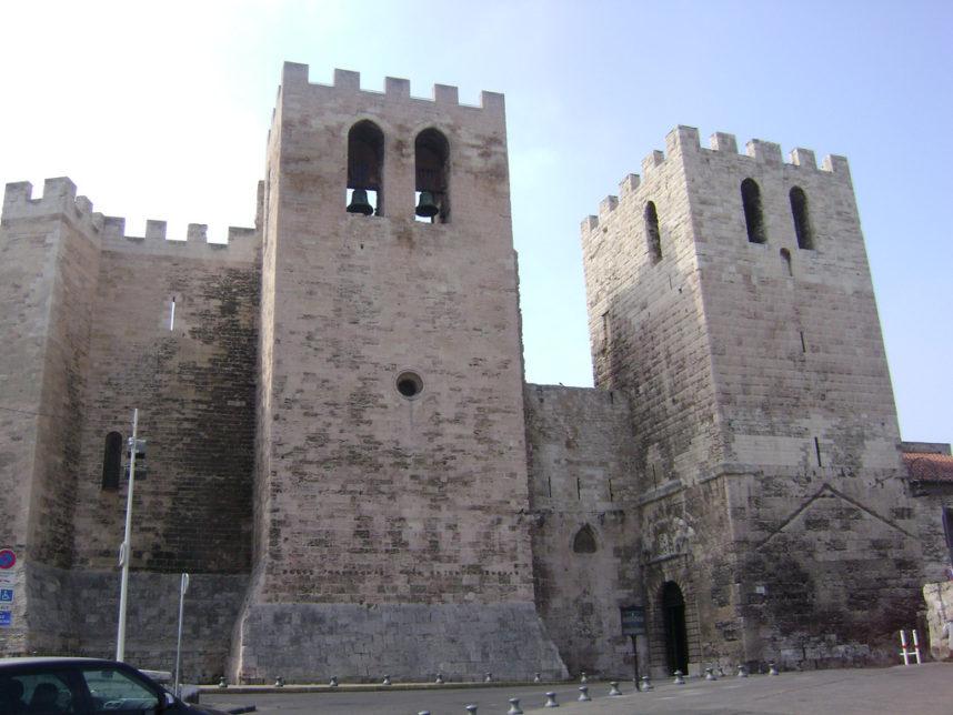 Аббатство Сен-Виктор с двух укрепленных башен