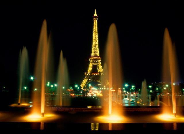 Эйфелева башня, золотой вечер