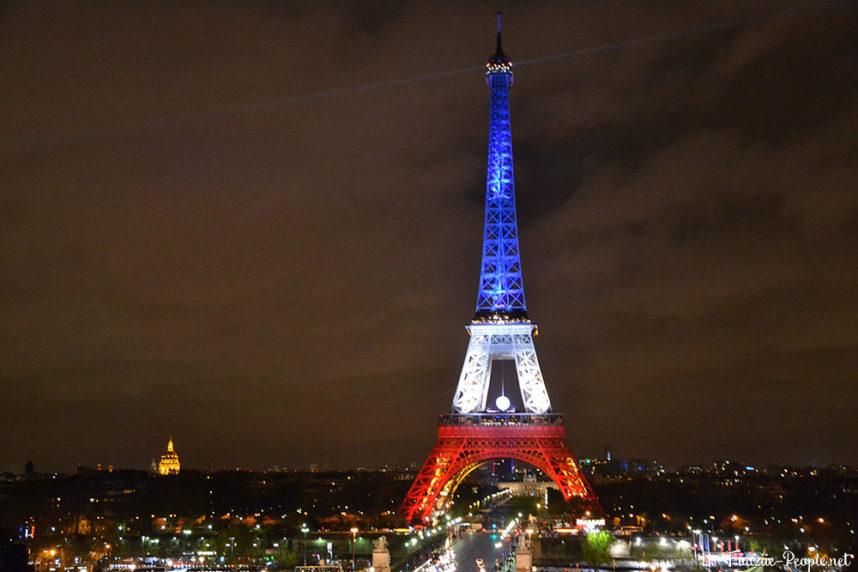 Эйфелева башня, подсветка