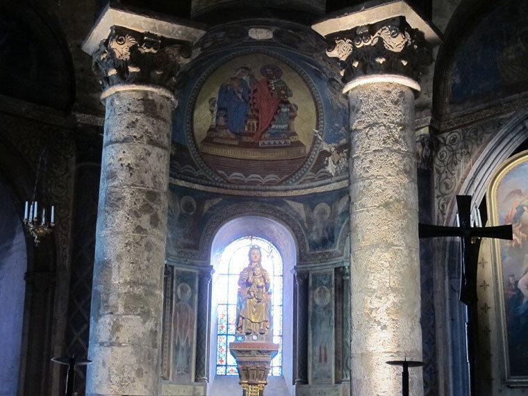 Нотр-Дам-ля-Гранд, статуя Девы Марии