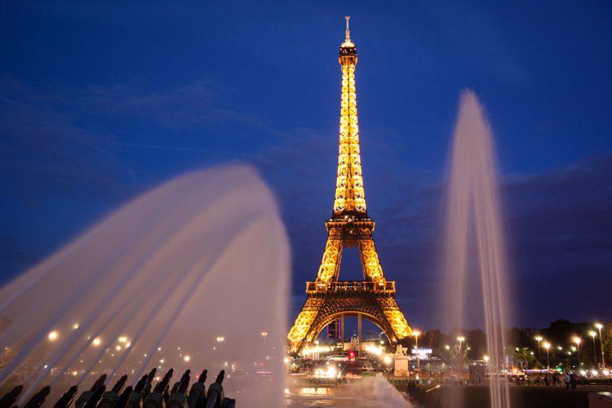 Париж, Эйфелева Башня вечером