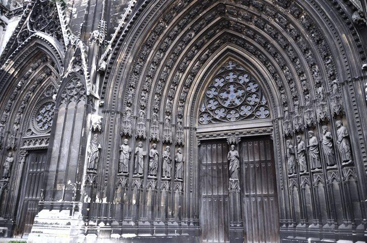 Готический собор в городе Руан