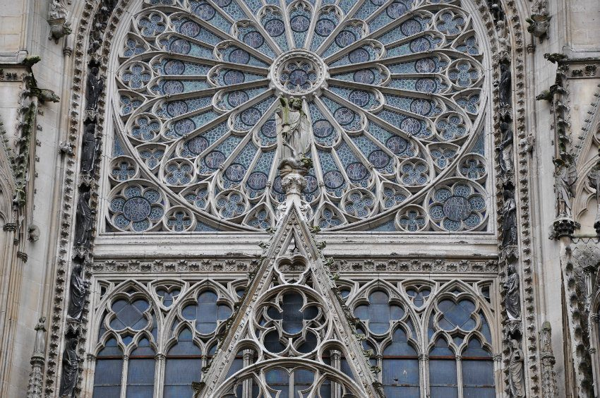 Неф Руанского собора