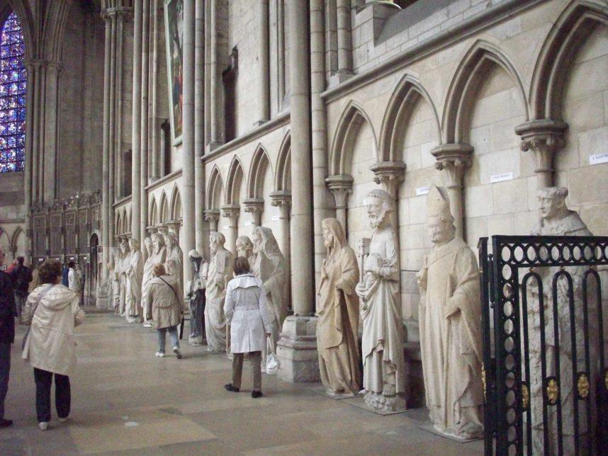 Руанский собор, внутри