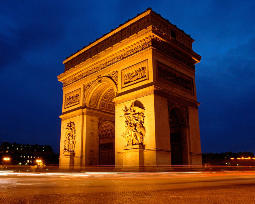 Триумфальная арка, вечео