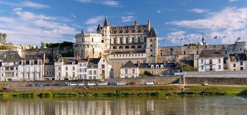 Вид на Замок Амбуаз, со стороны реки