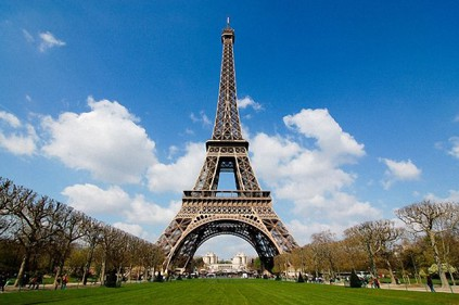 Эйфелева башня – достопримечательность Парижа
