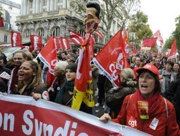 Во Франции снова забастовки