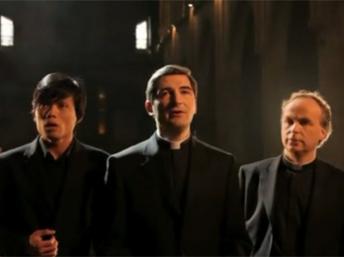Поющий священник, или католичество — это круто!