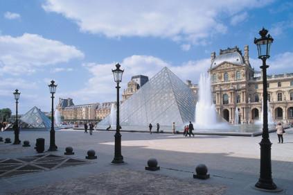 Лувр в Париже получит новое здание