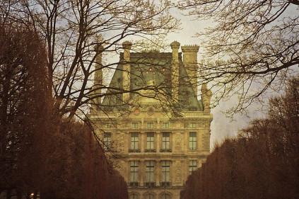 Музеи Парижа открываются на ночь
